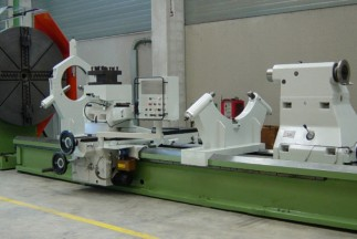 universal lathes for turning parts