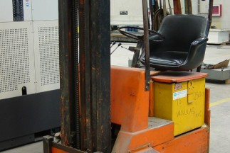 ELECTRIC FORKLIFT OM MODEL E-7